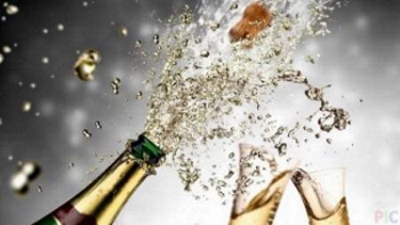шампанское можно пить даже в космосе